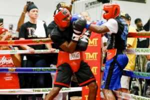 20150828042636_008_Mayweather_Sparring